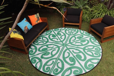polypropylene rugs - korero in green and white